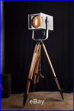 80er Loft Tripod Steh Stativ Lampe Kino Scheinwerfer Vintage Strahler modernism